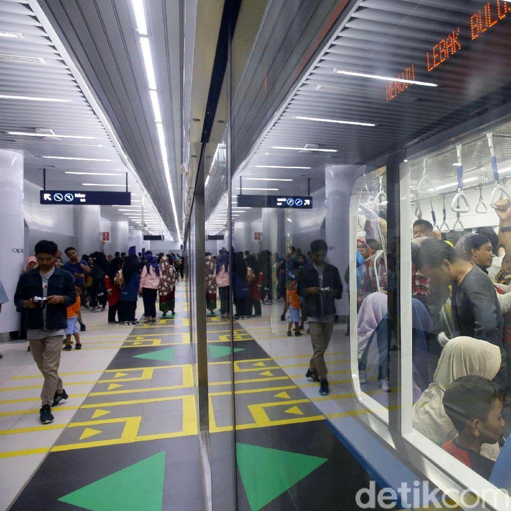 Isu 17 April dan Jalan Tengah Tarif MRT