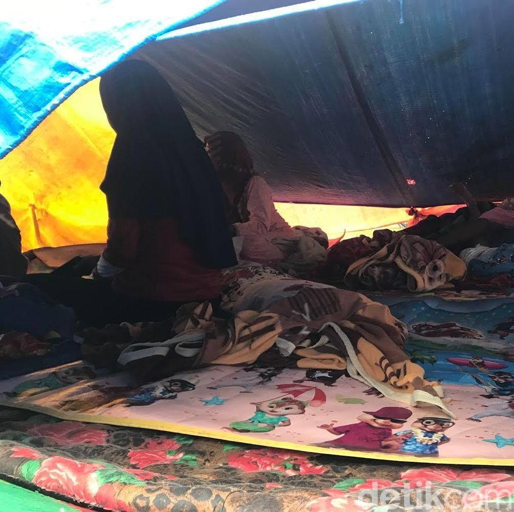 Warga Masih Tinggal di Pengungsian Pasca Tanggap Darurat GempaSolok