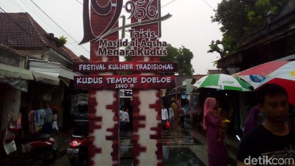 Sego Jangkrik hingga Orog-orog Bisa Cicipi di Festival Kuliner Koedoes Tempo Doeloe