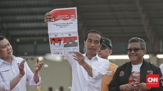 Genderang Adu Kuat Jokowi-Prabowo Raup Suara di Basis Lawan