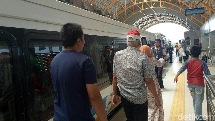 Foto: Suasana di LRT Palembang (Raja Adil Siregar/detikcom)
