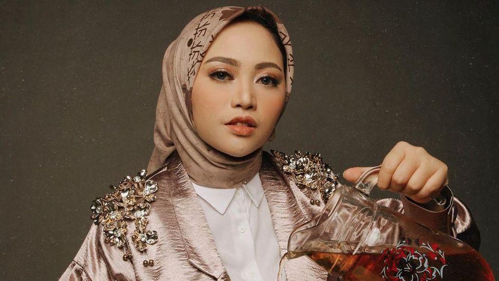 Rachel Vennya Bikin Takjil, Bakwan Sayur hingga Umm Ali