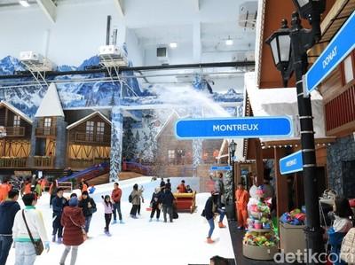 Foto Seru Main Salju di Trans Snow World Juanda Bekasi