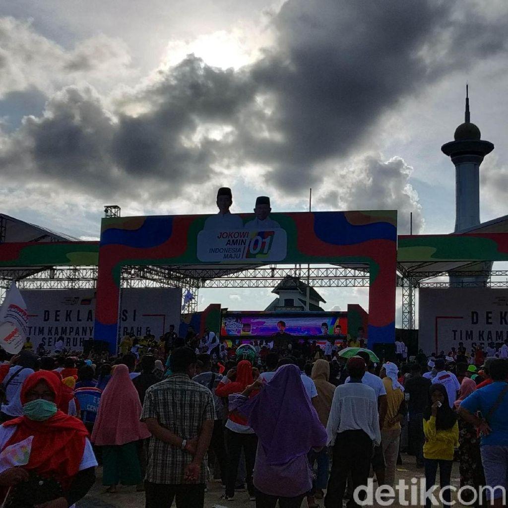 Massa Hadiri Deklarasi Damai Jokowi-Maruf di Kendari