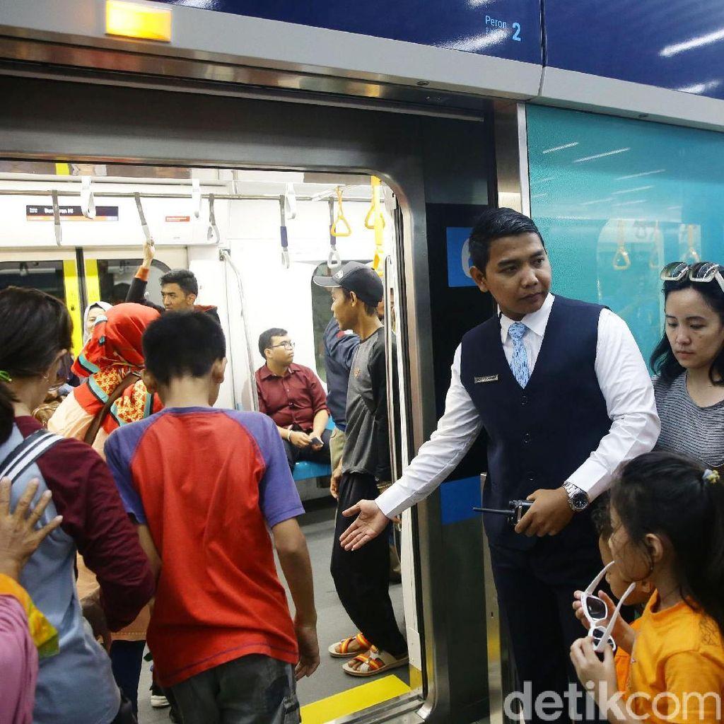 XL Masih Negosiasi agar Layanannya Tersedia di Rute MRT