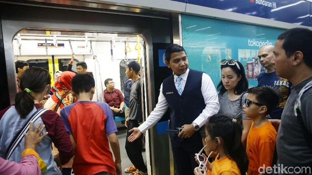 Resmi! Layanan Smartfren Terpasang di Rute MRT