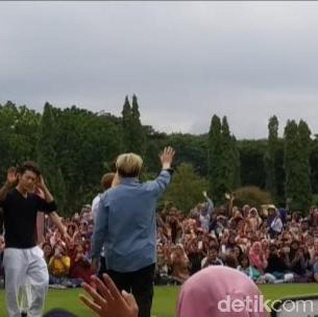 Lautan Fans Berdesakan di Candi Prambanan Demi Bertemu SuJu dan TVXQ