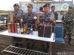 TNI AL Amankan Ratusan Kardus Miras Ilegal Asal Singapura