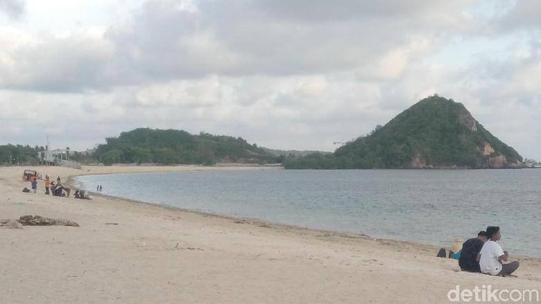 Bukit di kawasan pantai Kuta, Mandalika (Harry/detikTravel)
