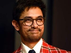 Punya Harta Rp 2,8 T, Aktor Aamir Khan Bikin Heboh Naik Pesawat Ekonomi