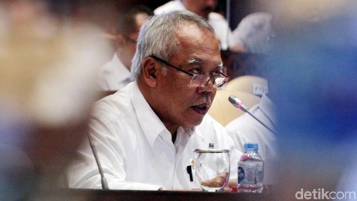 Komisi V menggelar raker bersama Kementerian PUPR serta Kemendes PDTT. Raker membahas evaluasi anggaran 2019.