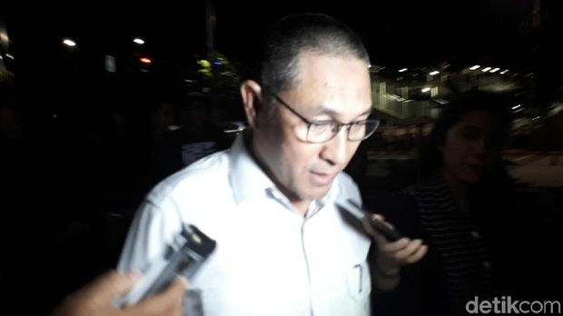 Anggota DPR F-PAN Sukiman Tersangka Suap Buru-buru Usai Diperiksa KPK