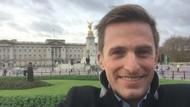 Kasihan, Reporter Perang di Suriah Rapikan Rambut Pakai Ludah Sebelum Siaran
