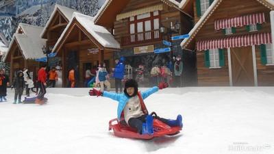 Bunda, Yuk Coba Wahana Permainan Seru di Trans Snow World Bekasi