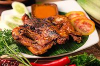 Pedas Menyengat Ayam Taliwang dan Plecing Kangkung Ada di Sini