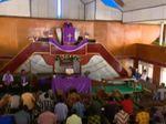 Gereja Terendam Banjir, Warga Gelar Ibadah di Atas Perahu