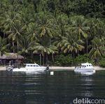 Menikmati Keindahan Alam Halmahera Selatan di Sali Bay Resort
