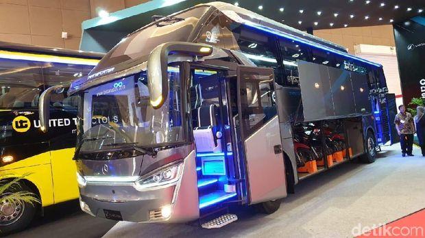 Bus Angkut Motor