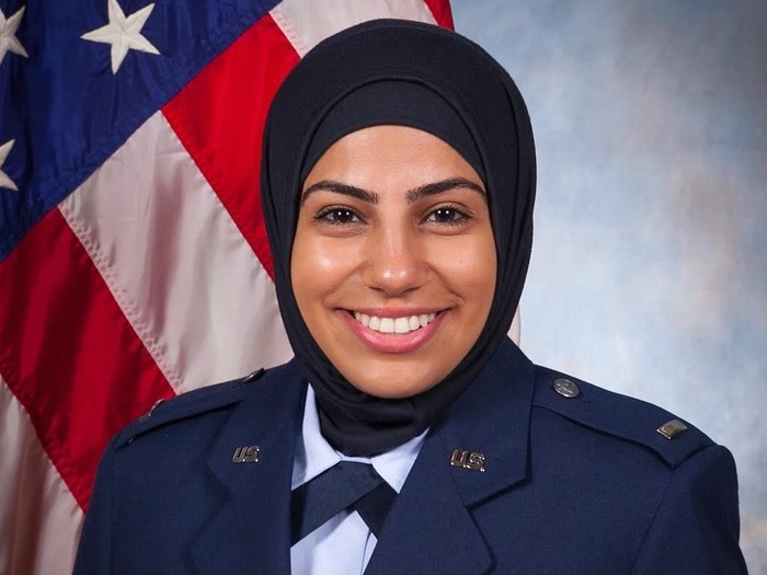 Maysaa Ouza, anggota militer AS berhijab. Foto: Instagram/ Maysaa Ouza
