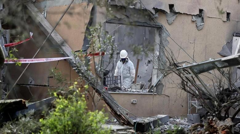 Roket dari Gaza Hancurkan Rumah Warga Israel, 7 Orang Terluka
