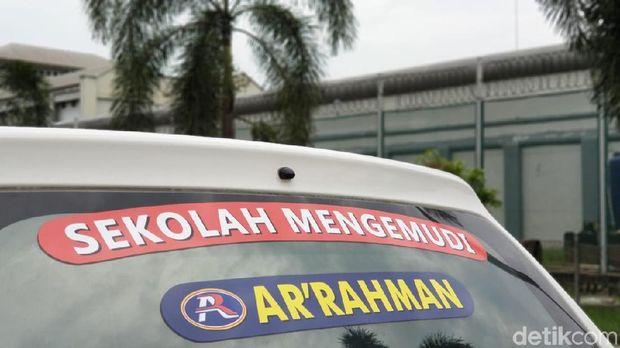 Sekolah mengemudi Ar-Rahman