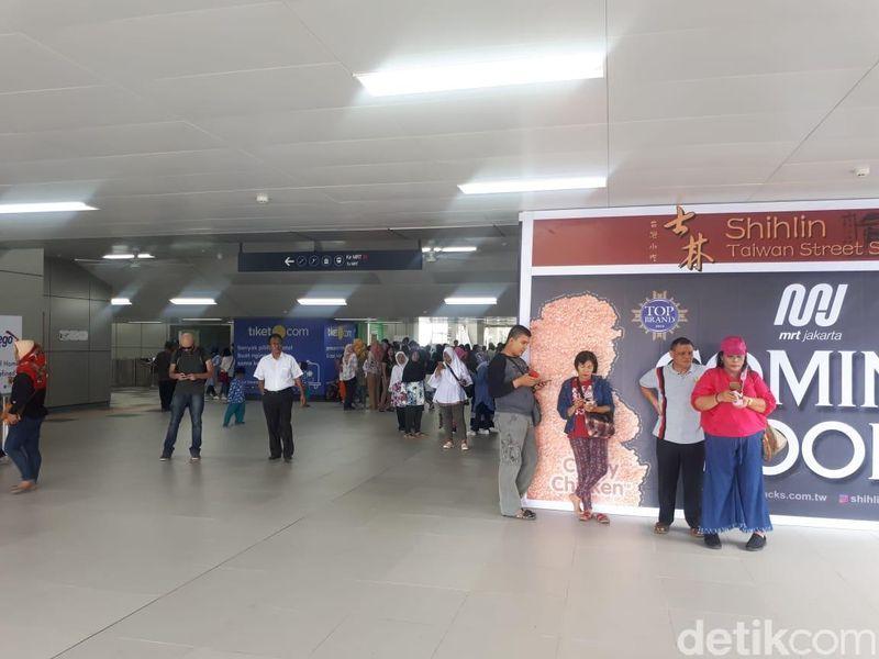 Hal ini terlihat dari stasiun Lebak Bulus, yang jadi salah satu wilayah penghubung Jakarta Selatan dengan wilayah Sub-Urban (Shinta/detikcom)
