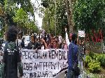 Massa Gelar Aksi Solidaritas Bagi Pekerja yang Bajak Tangki Pertamina