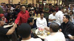 Jokowi Ngopi di Warkop Dumai, Warga Membludak