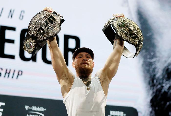 Conor McGregor menyatakan pensiun dari cabang olahrga yang telah membesarkan nama dan membawanya menjadi juara Mixed Martial Art. Isaac Brekken/Getty Images.