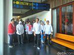 Obrolan Hangat Jokowi dan Bupati Anas di Bandara Banyuwangi