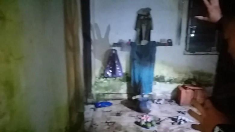 Potret Jelangkung di Rumah di Depok yang Digerebek karena Ada Jeritan