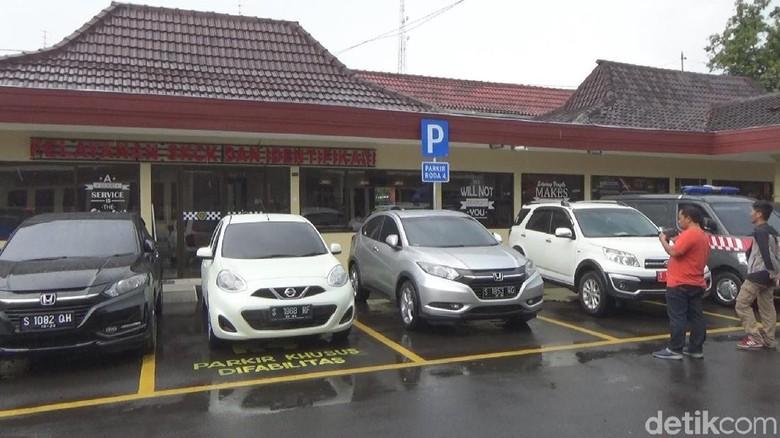KPK Sita 3 Mobil Pejabat Terkait Kasus TPPU Bupati Mojokerto Nonaktif