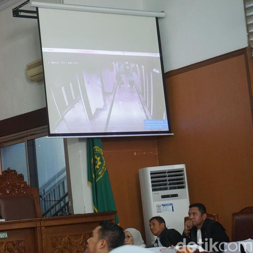 Ini Rekaman CCTV Bukti Ratna Sarumpaet Berada di RS Bina Estetika