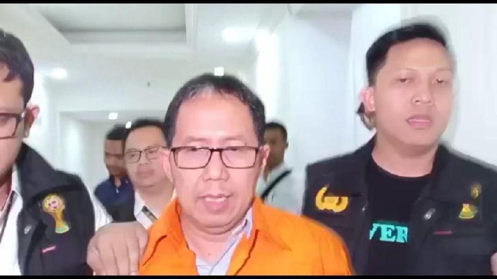 Pakai Rompi Tahanan, Joko Driyono Dibawa Penyidik ke Rutan Polda Metro