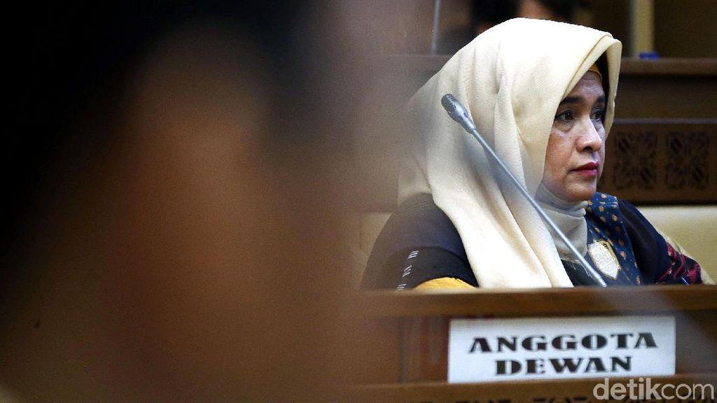 Neno Warisman Susul Amien Rais ke DPR Bahas DPT Pemilu