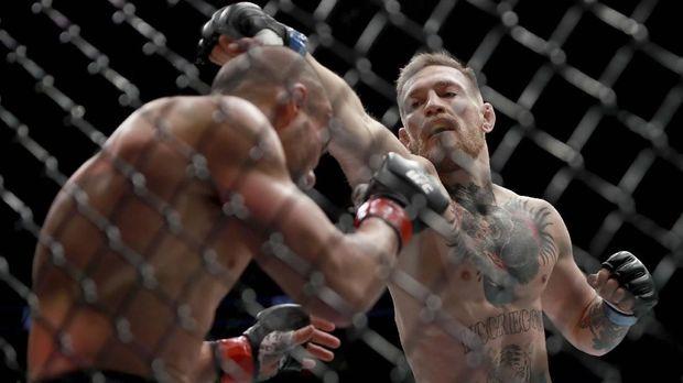 Ingin Hadapi Lawan yang Ringan, McGregor Disebut Pengecut