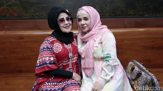 Curhat Elvy Sukaesih yang Sedih Jelang Pernikahan Dhawiya