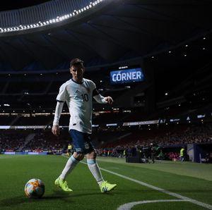 Bukan Messi yang Harus Lebih Baik di Argentina, tapi Pemain-Pemain Lain