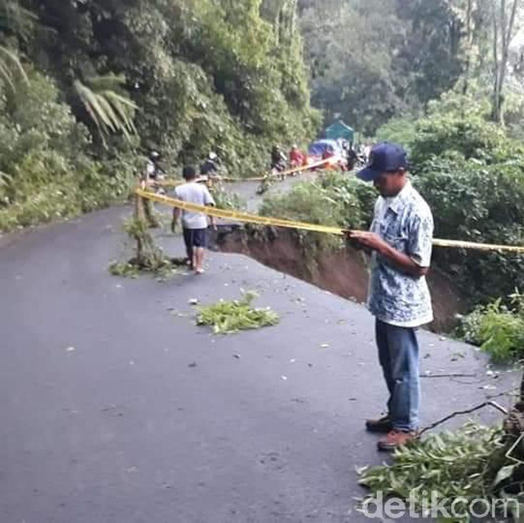 Akses Jalan Menuju Bromo Melewati Malang Longsor