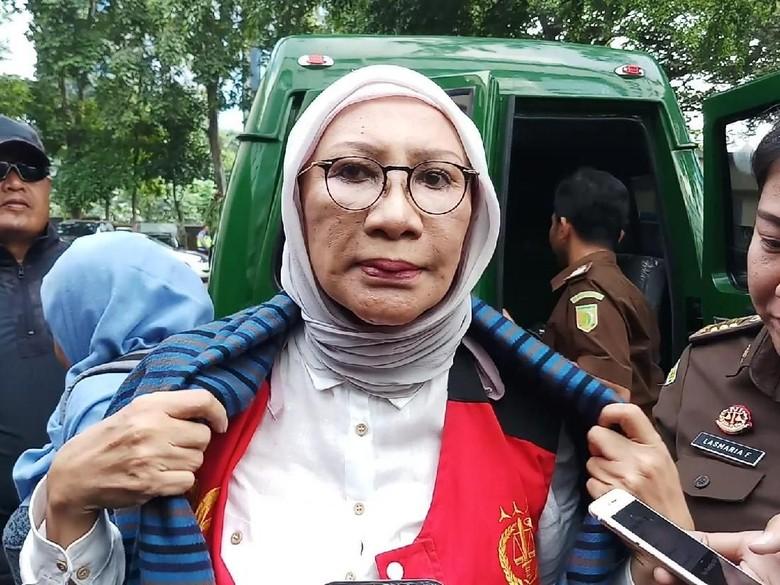 Ratna Sarumpaet Tanggung Kesalahan, Tolak Dokter Bedah Disalahkan
