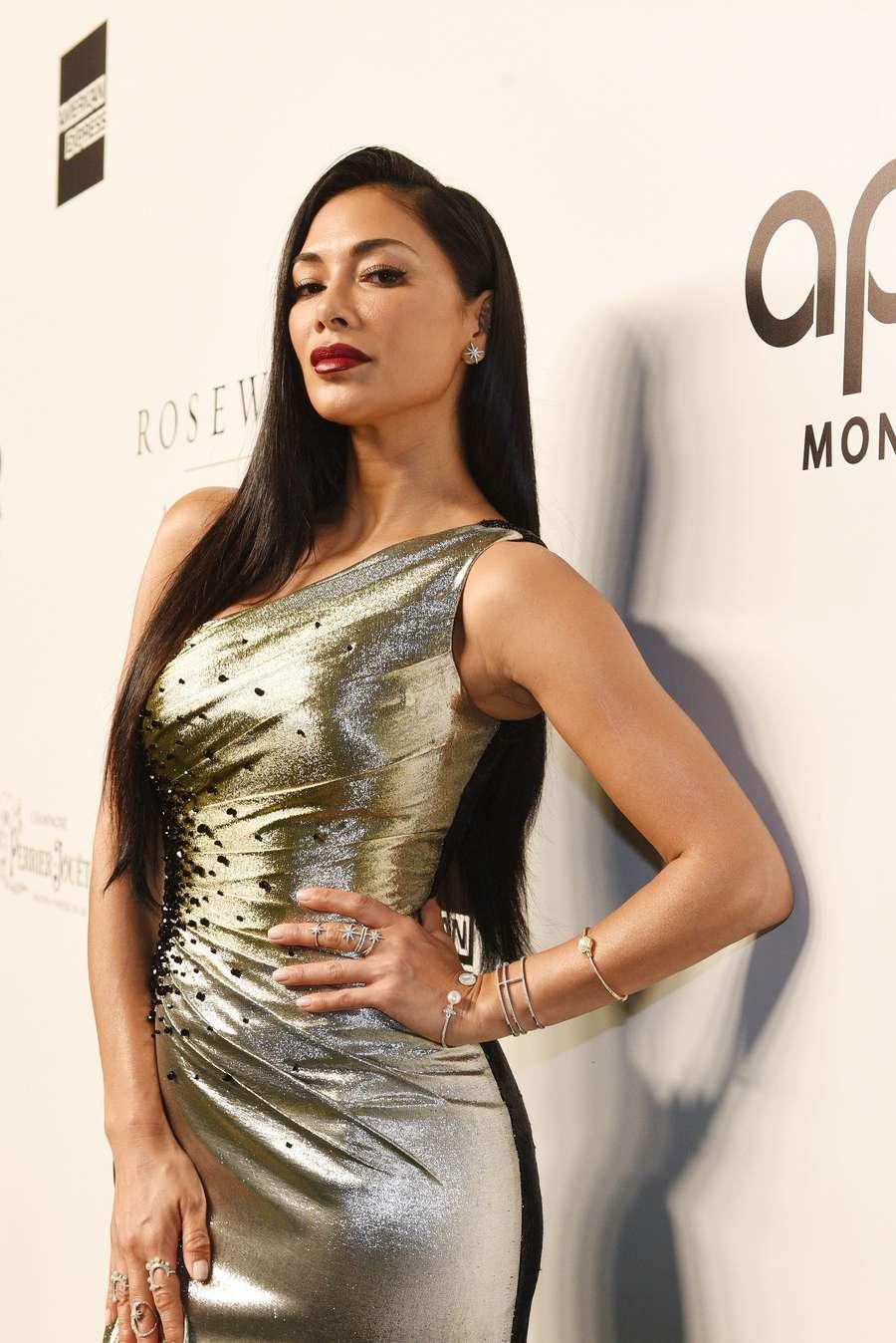 Dua Lipa, Aaliyah Massaid, Nicole Scherzinger Hingga Heidi -2055