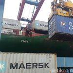 Kapal Raksasa Angkut Kopi hingga Nanas Lampung ke Mancanegara