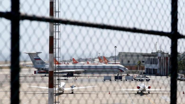 Momen Mendaratnya Pesawat Militer Rusia di Venezuela