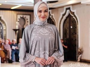 Ria Miranda Kolaborasi dengan Desainer Malaysia, Dijual Mulai Rp 650 Ribu