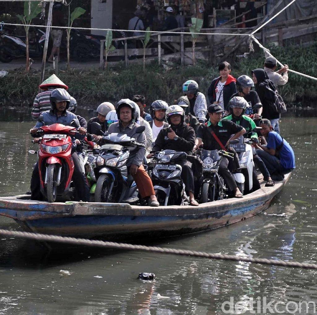 Cerita Perahu Eretan yang Memangkas Kemacetan Jakarta