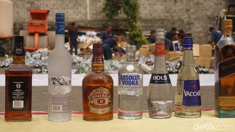 56.644 Botol Miras dari Singapura Senilai Rp 40 Miliar Dimusnahkan