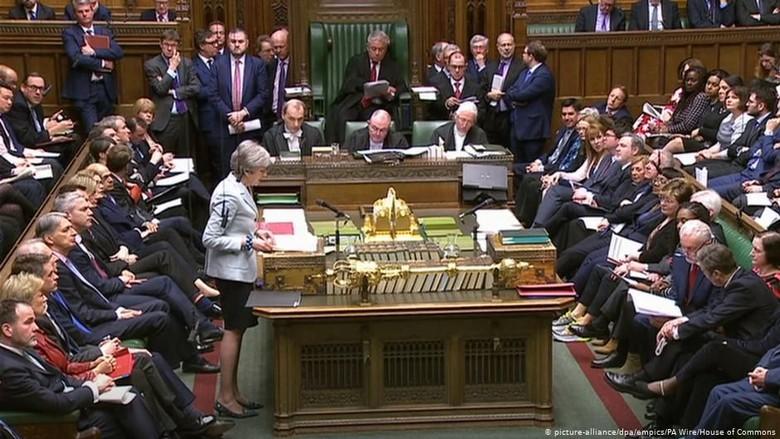 Lagi-lagi Kalah di Parlemen, PM May Hilang Kendali Atas Proses Brexit