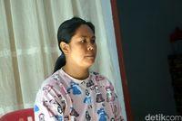 Ibu Agnes, sang pembuat sambal roa (Wahyu/detikcom)