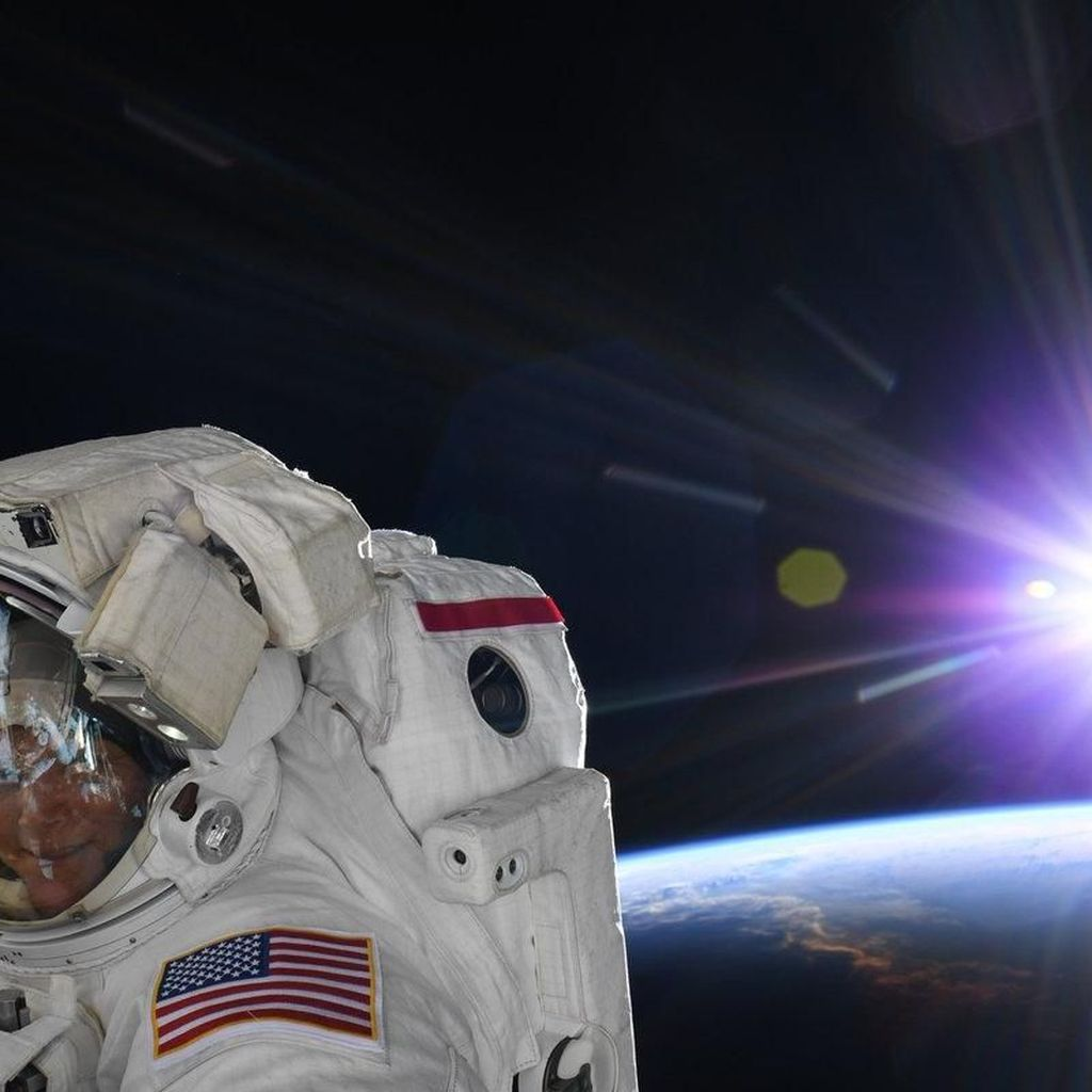 NASA Batalkan Spacewalk Perdana oleh Dua Astronot Wanita