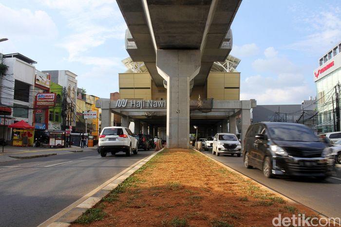 Jalur MRT fase I membentang dari Lebak Bulus hingga Bundaran Hotel Indonesia. Jalur itu melewati Jalan RS Fatmawati.